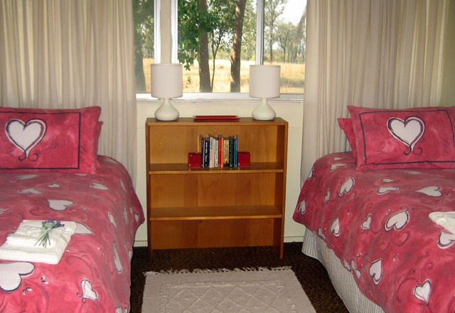 Flag Springs Bush Retreat - Accommodation Airlie Beach
