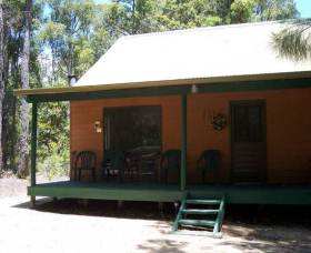 Loose Goose Chalets - Accommodation Airlie Beach