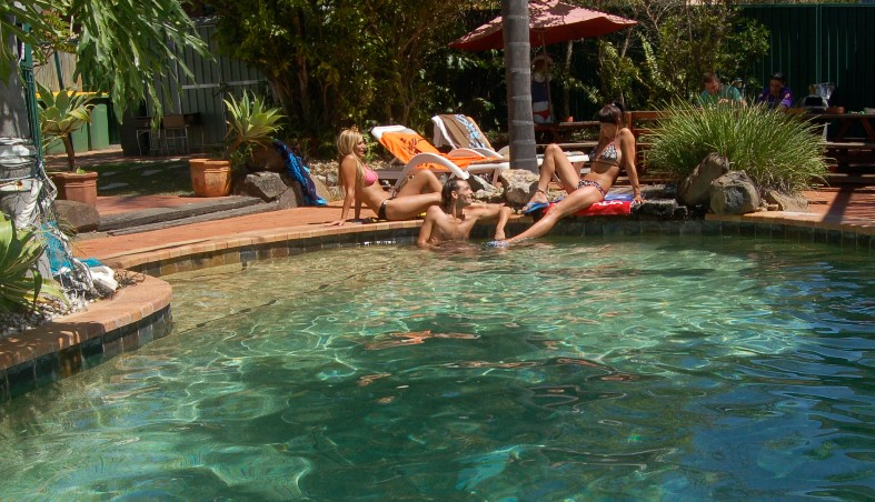 Trekkers Backpackers - Accommodation Airlie Beach