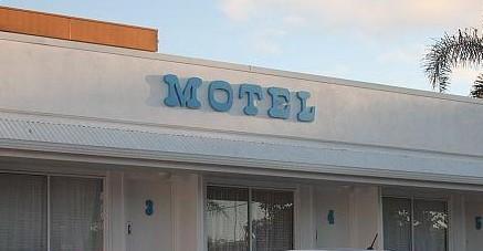 Broad Shore Motel - Accommodation Airlie Beach