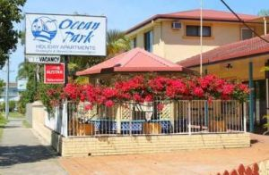 Ocean Park Motel and Holiday Apartments - Accommodation Airlie Beach