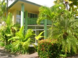 A Tropical Nite - Accommodation Airlie Beach