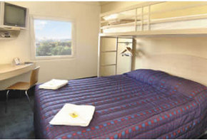Motel Formule 1 Dandenong - Accommodation Airlie Beach