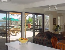 Lakeview Cottage - Accommodation Airlie Beach