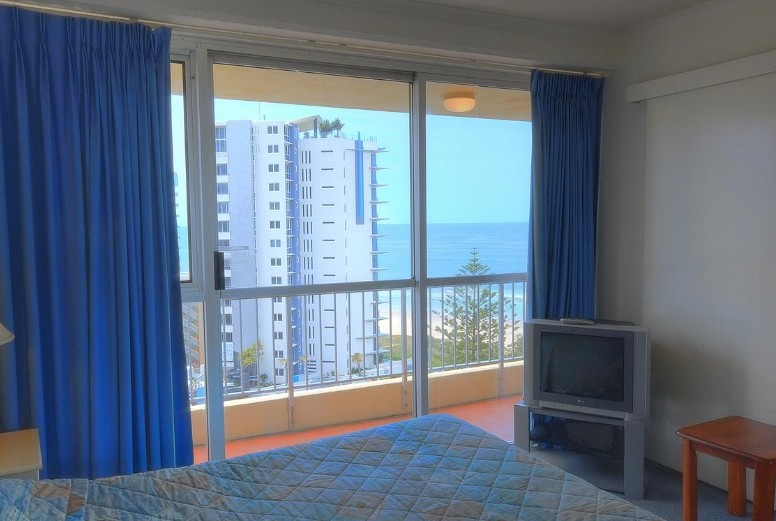 Surfers Beachside Holiday Apartments - Accommodation Airlie Beach