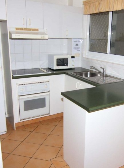 Beach Lodge Apartments - Accommodation Airlie Beach