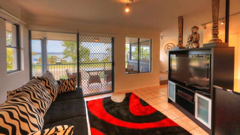 Dolphin Waters Holiday Apartments - Accommodation Airlie Beach