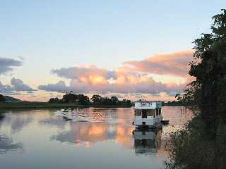 Tweed River Houseboats - Accommodation Airlie Beach