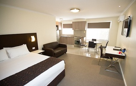 Country Comfort Premier Motel - Accommodation Airlie Beach