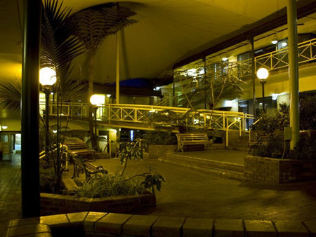 Mayfair Plaza Motel - Accommodation Airlie Beach