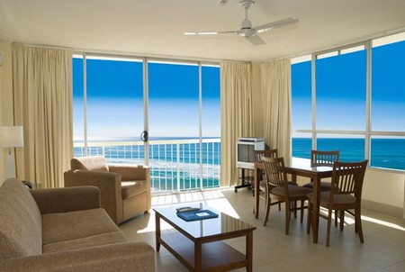 Chateau Beachside - Accommodation Airlie Beach