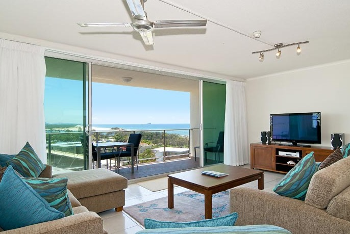 Chateau Royale Beach Resort - Accommodation Airlie Beach