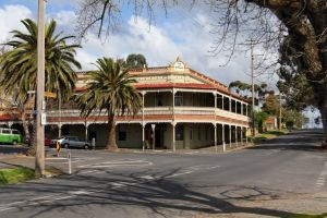 The Midland Hotel Castlemaine - Accommodation Airlie Beach