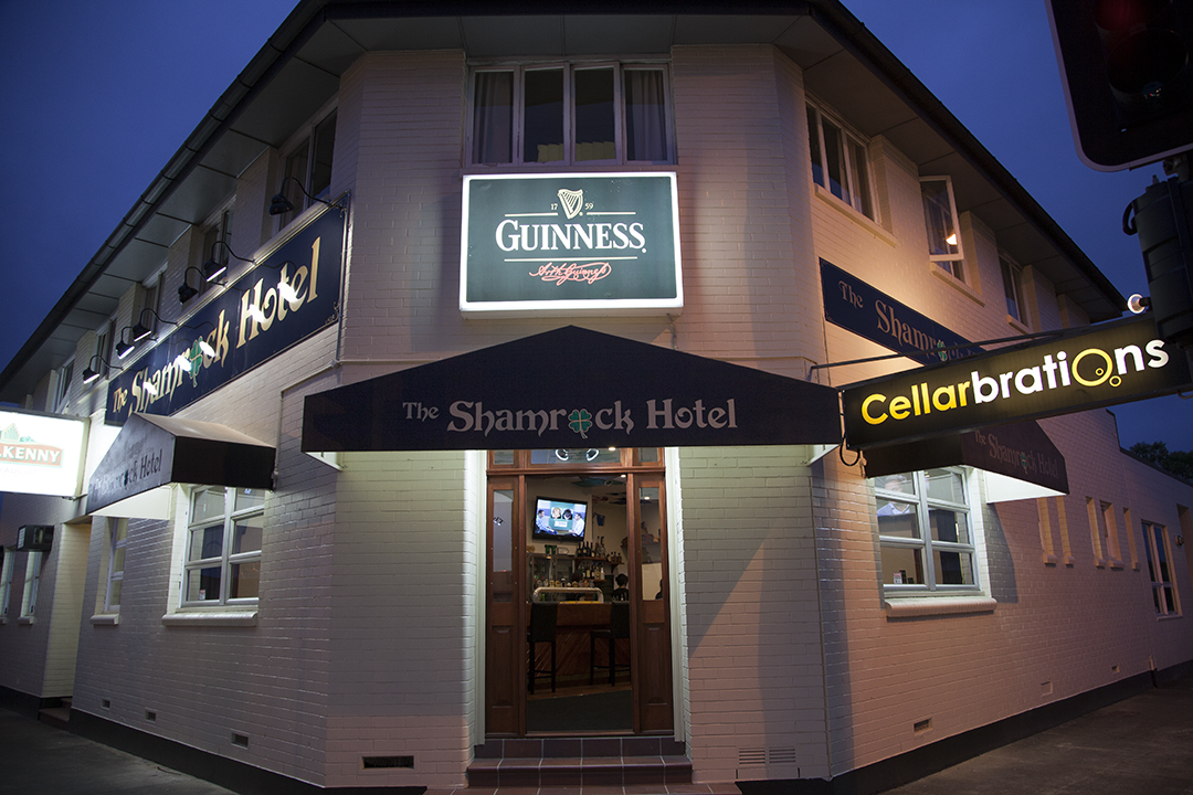 Shamrock Hotel - Accommodation Airlie Beach