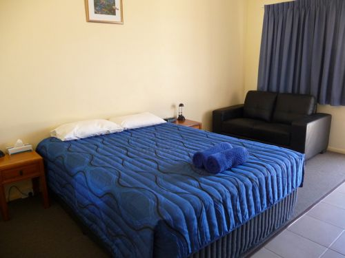 Moura Motel - Accommodation Airlie Beach