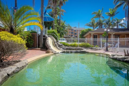 Sapphire Palms Motel - Accommodation Airlie Beach