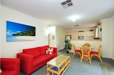 Beaches Serviced Apartments - Accommodation Airlie Beach