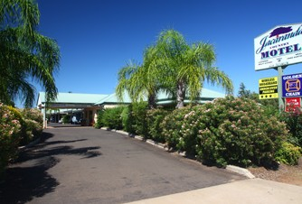Jacaranda Country Motel - Accommodation Airlie Beach