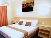 Emerald Maraboon Motor Inn - Accommodation Airlie Beach