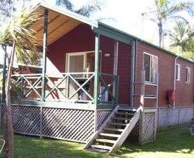 A Paradise Park Cabins - Accommodation Airlie Beach