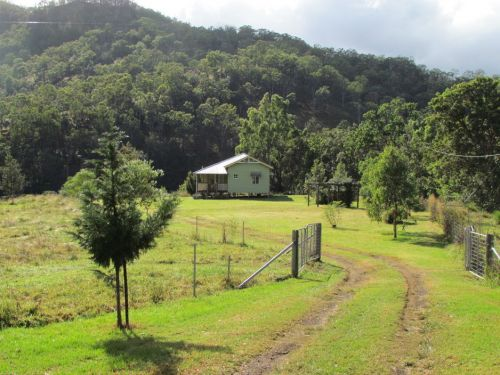 Eighteen Mile Cottage and Homestead - Accommodation Airlie Beach