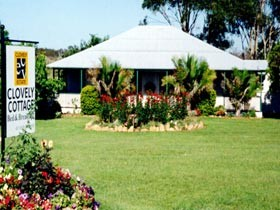 Clovely Cottage - Accommodation Airlie Beach