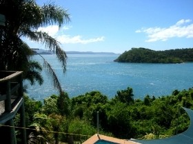 Warrain Beach House - Accommodation Airlie Beach