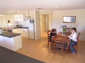 Copper Cove Holiday Villas - Accommodation Airlie Beach