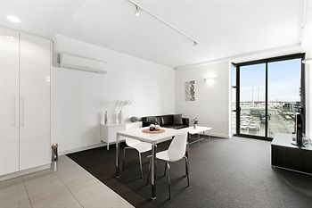 Docklands Private Collection of Apartments - Digital Harbour - Accommodation Airlie Beach