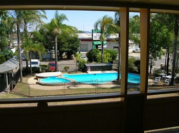 Bucketts Way Motel and Restaurant - Accommodation Airlie Beach