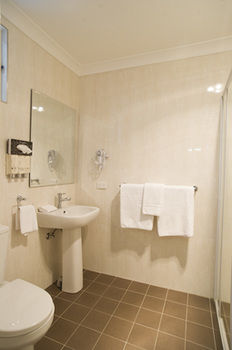 Noahaposs Mid City Motor Inn - Accommodation Airlie Beach