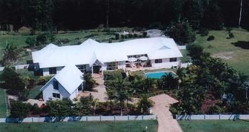 Ninderry Manor Luxury Retreat - Accommodation Airlie Beach