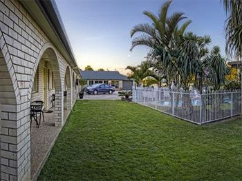 Sunshine Coast Airport Motel - Accommodation Airlie Beach