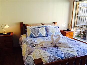 Australian Home Away  East Doncaster Andersons Creek 1 - Accommodation Airlie Beach