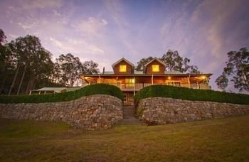 Bimbadeen Mountain Retreat - Accommodation Airlie Beach