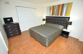Balmain 3 Mont Furnished Apartment - Accommodation Airlie Beach