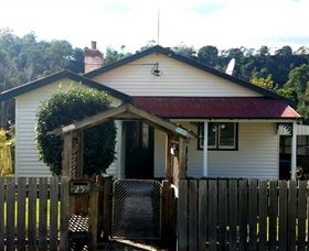 Brothers Town Cottage - Accommodation Airlie Beach