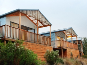 Discovery Holiday Parks Hobart Cosy Cabins - Accommodation Airlie Beach