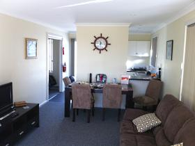North East Apartments - Accommodation Airlie Beach