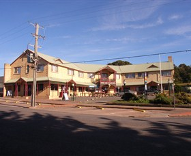 Parer's King Island Hotel - Accommodation Airlie Beach