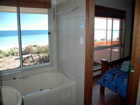 Ceduna Shelly Beach Caravan Park and Beachfront Villas - Accommodation Airlie Beach