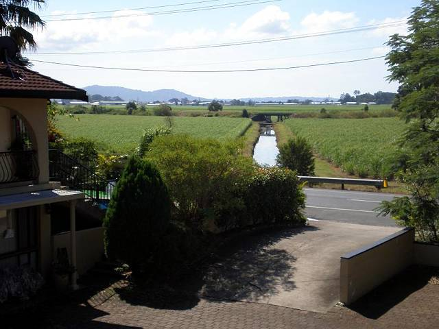 Poinciana Motel - Accommodation Airlie Beach