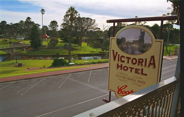 Victoria Hotel - Accommodation Airlie Beach