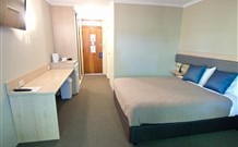 Lakeview Hotel Motel - Oak Flats - Accommodation Airlie Beach