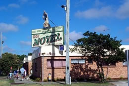Jackie Howe Motel - Accommodation Airlie Beach