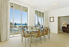 Kirra Beach Luxury Holiday Apartments - Accommodation Airlie Beach