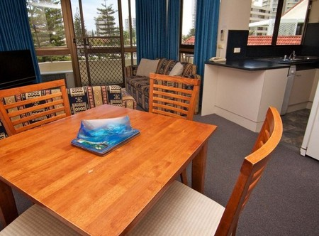 Barbados Apartments - Accommodation Airlie Beach