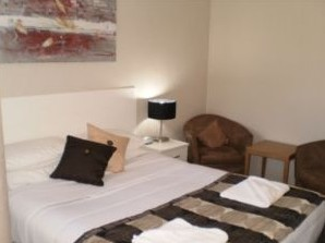 Country Leisure Motor Inn - Accommodation Airlie Beach