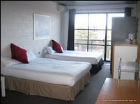 St Kilda Beach House - Accommodation Airlie Beach