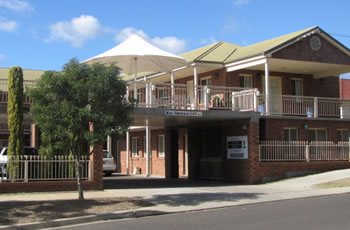 Golf Links Motel - Accommodation Airlie Beach